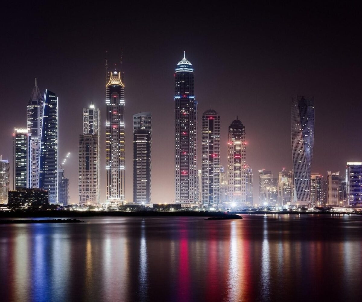 dubais-real-estate-continues-to-build-momentum
