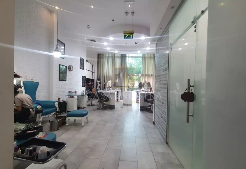 running-high-end-salon-for-sale-in-liberty-house-casa-nostra