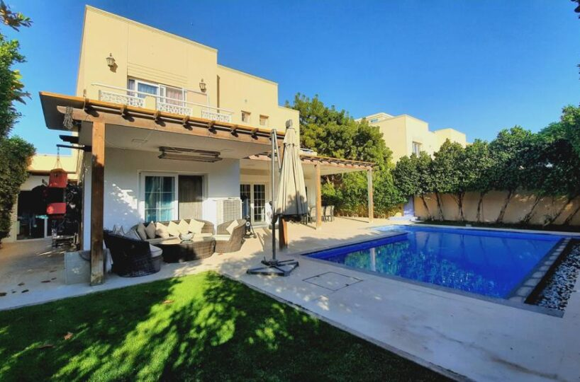 luxury-furnished-5-bedroom-5br-villa-in-meadows